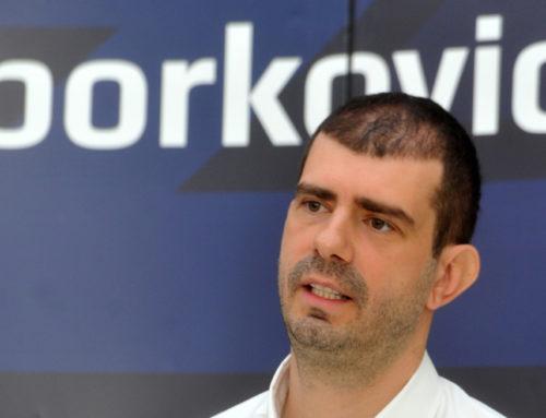 Dušan Borković pomaže penzionerima