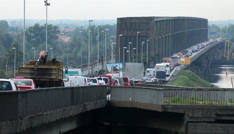 Блокиран Панчевачки мост